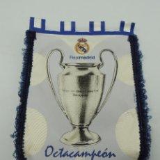 Coleccionismo deportivo: BANDERIN DE REAL MADRID CLUB DE FUTBOL OCTACAMPEON FINAL PARIS AÑO 2000. Lote 146234334