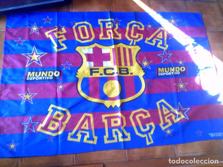 GRAN BANDERA DEL BARÇA MIDE 146 X 100 PRODUCTO OFICIAL (Coleccionismo Deportivo - Banderas y Banderines de Fútbol)
