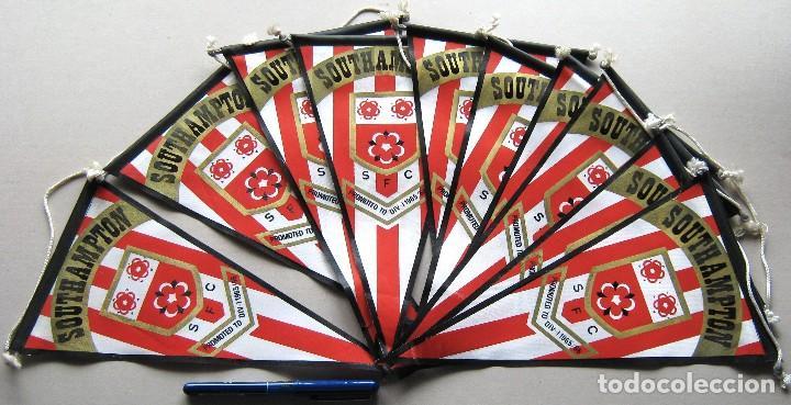 10 BANDERIN PENNANT WIMPEL SOUTHAMPTON FC ENGLAND FOOTBALL 30 X 15 L/31 (Coleccionismo Deportivo - Banderas y Banderines de Fútbol)
