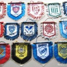 Coleccionismo deportivo: 14 BANDERIN PENNANT WIMPEL ARGENTINA EQUIPOS FUTBOL FOOTBALL BANDERINES L/33. Lote 150235754