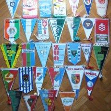 Coleccionismo deportivo: 31 BANDERIN PENNANT POLONIA POLSKA POLAND DIFERENTS TEAMS FOOTBALL WIMPEL L/57. Lote 150237234