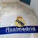 Coleccionismo deportivo: BANDERA GRANDE REAL MADRID PRODUCTO OFICIAL MUY BUEN ESTADO. Lote 151549360