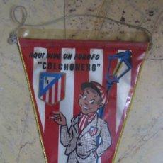 Coleccionismo deportivo: ATLÉTICO DE MADRID. AQUÍ VIVE UN FOROFO COLCHONERO. AÑOS 70. Lote 153082598