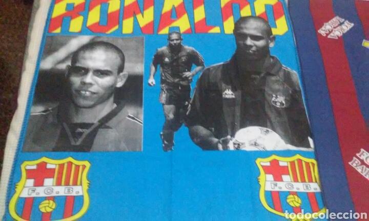 Coleccionismo deportivo: BANDERAS FLAGS ANTIGUAS DE RONALDO NAZARIO Y DEL FUTBOL CLUB BARCELONA - Foto 2 - 153260206