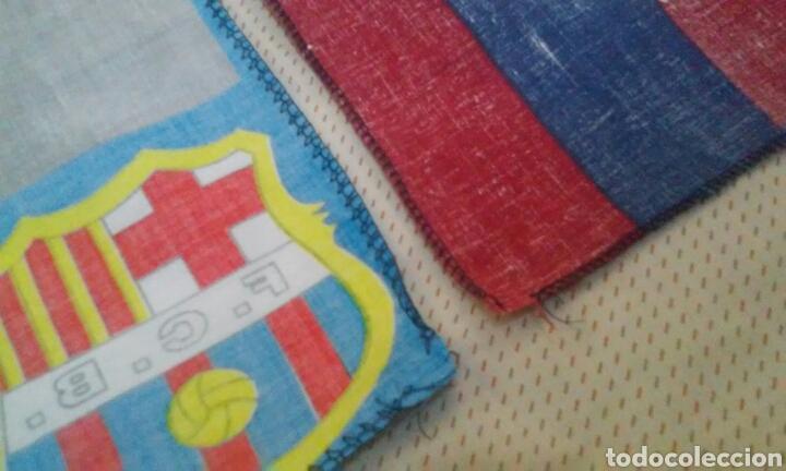 Coleccionismo deportivo: BANDERAS FLAGS ANTIGUAS DE RONALDO NAZARIO Y DEL FUTBOL CLUB BARCELONA - Foto 11 - 153260206