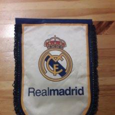 Coleccionismo deportivo: BANDERIN REAL MADRID CLUB DE FUTBOL. Lote 153372456