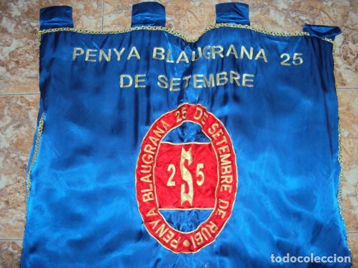 (F-190303)BANDERA ESTANDARTE BORDADO PENYA BLAUGRANA 25 DE SETEMBRE DE RUBI (Coleccionismo Deportivo - Banderas y Banderines de Fútbol)