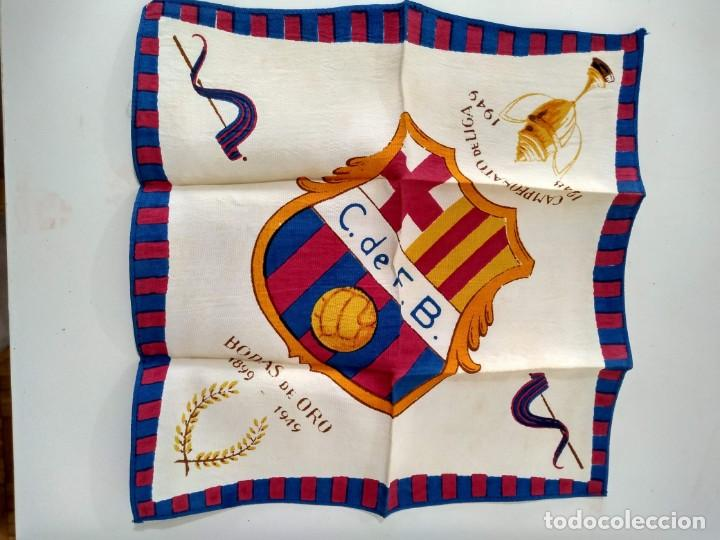 PAÑUELO C. DE F. BARCELONA . BODAS DE ORO 1899-1949 (Coleccionismo Deportivo - Banderas y Banderines de Fútbol)