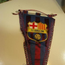Coleccionismo deportivo: ANTIGUO BANDERIN FUTBOL CLUB BARCELONA. Lote 158333766