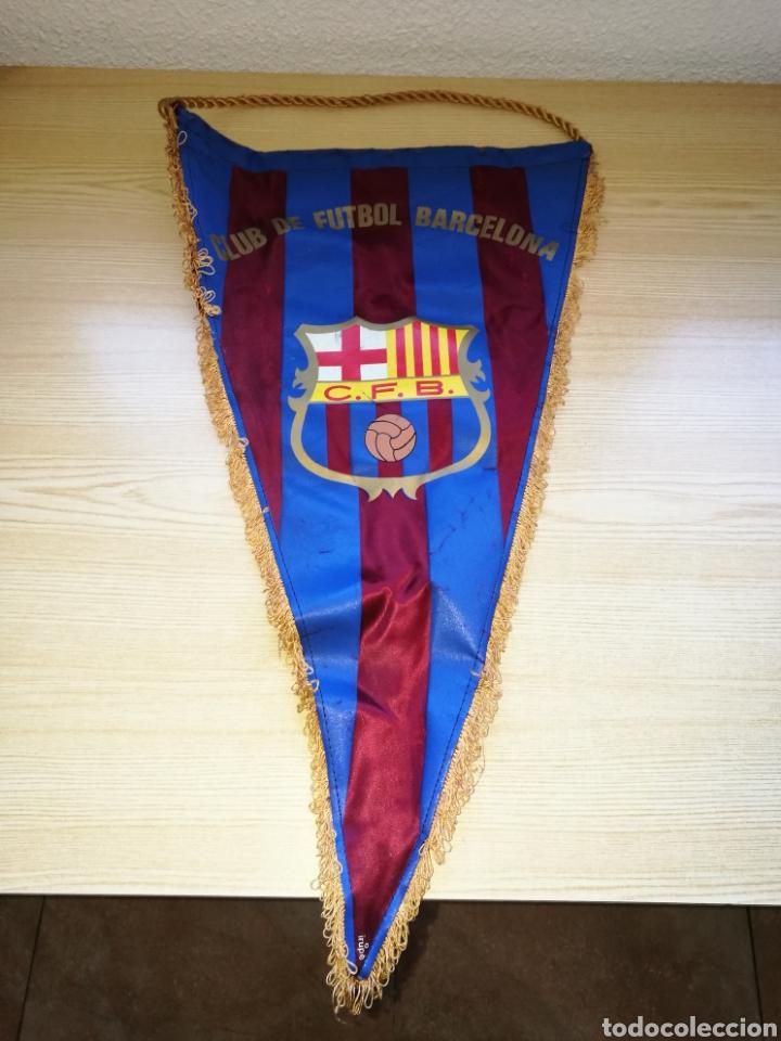 ANTIGUO BANDERÍN DEL CLUB DE FÚTBOL BARCELONA, PONE CLUB FÚTBOL NO FC. MUY RARO. AÑOS 50. 48 CENTÍME (Coleccionismo Deportivo - Banderas y Banderines de Fútbol)