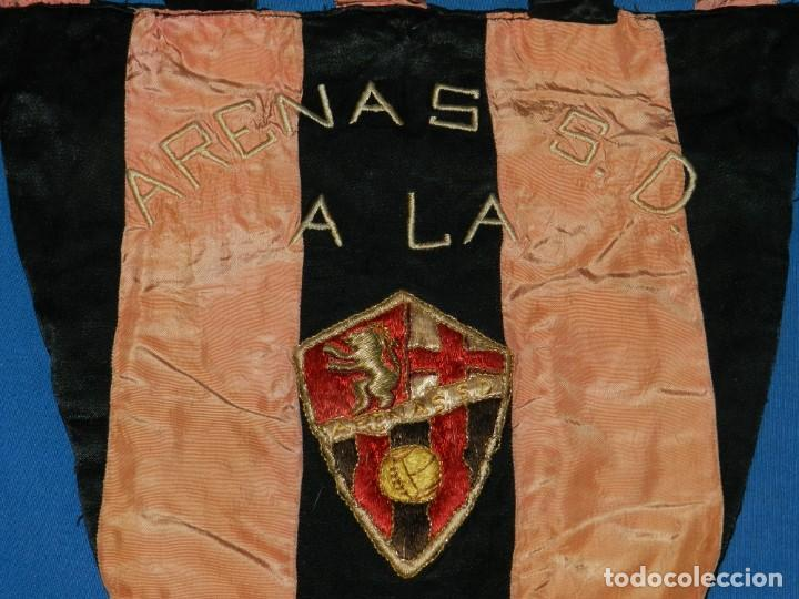 Coleccionismo deportivo: (M) ESPECTACULAR BANDERIN DE FUTBOL ARENAS S.D A LA U.D. SAN MARTIN 3/10/ 1948 BORDADO - Foto 2 - 160342034