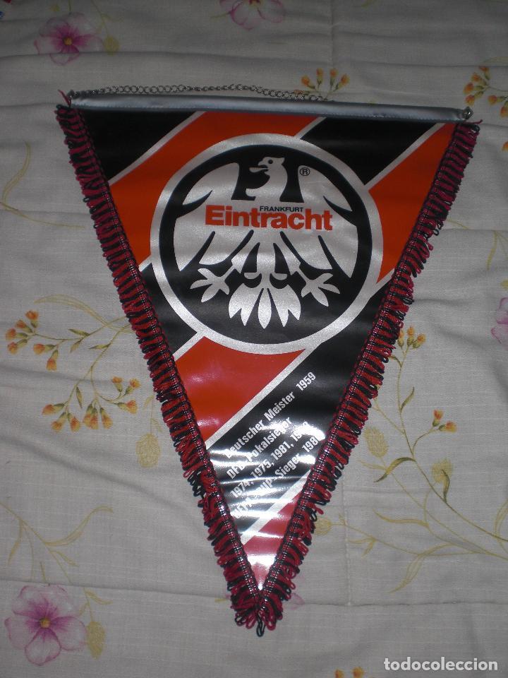 BANDERÍN EINTRACHT FRANKFURT ALEMANIA (Coleccionismo Deportivo - Banderas y Banderines de Fútbol)