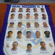 Coleccionismo deportivo: BANDERÍN DE FUTBOL. REAL MADRID TEMPORADA 1997 - 1998. Lote 162308266