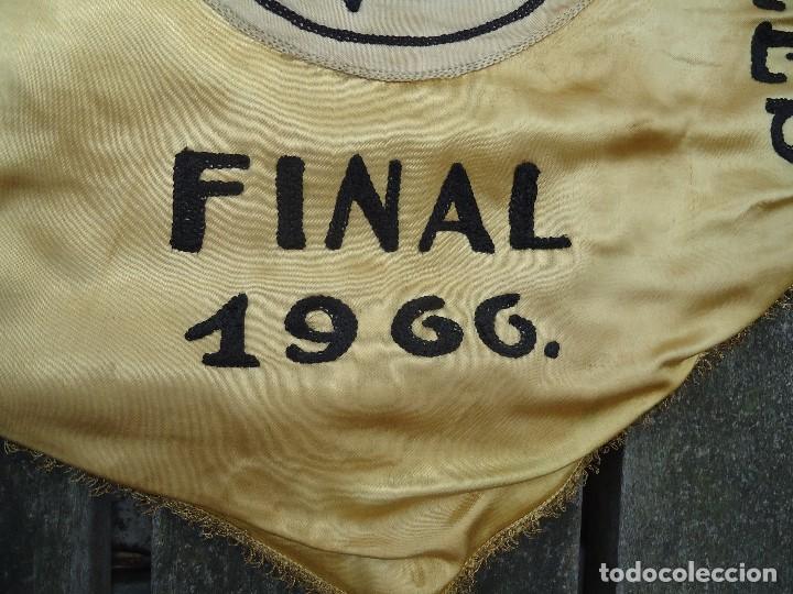 Coleccionismo deportivo: BANDERÍN SELECCIONES REGIONALES JUVENILES 1966 DE GRAN TAMAÑO 76 X 50 cm. RARO CON ESCUDO VALENCIA - Foto 3 - 162598694