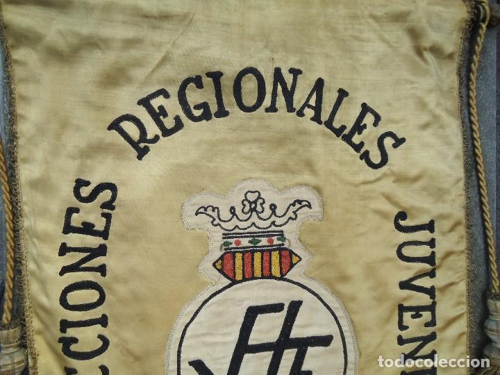 Coleccionismo deportivo: BANDERÍN SELECCIONES REGIONALES JUVENILES 1966 DE GRAN TAMAÑO 76 X 50 cm. RARO CON ESCUDO VALENCIA - Foto 4 - 162598694