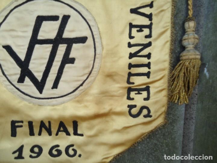 Coleccionismo deportivo: BANDERÍN SELECCIONES REGIONALES JUVENILES 1966 DE GRAN TAMAÑO 76 X 50 cm. RARO CON ESCUDO VALENCIA - Foto 7 - 162598694