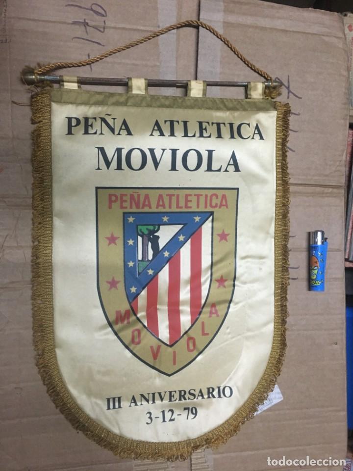 BANDERIN ATLETICO MADRID PEÑA ATLETICA MOVIOLA III ANIVERSARIO 1979 (Coleccionismo Deportivo - Banderas y Banderines de Fútbol)