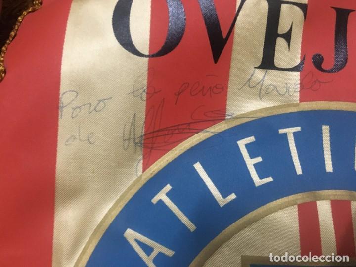 Coleccionismo deportivo: BANDERIN ATLETICO MADRID PEÑA ATLETICA OVEJERO MADRID VIII ANIVERSARIO AUTOGRAFOS FIRMAS - Foto 3 - 164767554