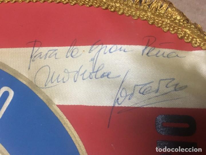 Coleccionismo deportivo: BANDERIN ATLETICO MADRID PEÑA ATLETICA OVEJERO MADRID VIII ANIVERSARIO AUTOGRAFOS FIRMAS - Foto 5 - 164767554