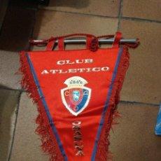 Collectionnisme sportif: BANDERÍN AÑOS 90 CLUB ATLÉTICO OSASUNA. 46 CM DE LARGO FUTBOL. Lote 203761511