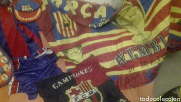LOTE BANDERINES BANDERAS LLAVEROS GUANTES BOXEO CAMISETA LARSSON Nº7 LLAVEROS GORRAS FC BARCELONA (Coleccionismo Deportivo - Banderas y Banderines de Fútbol)