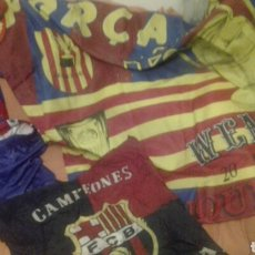 Coleccionismo deportivo: LOTE BANDERINES BANDERAS LLAVEROS GUANTES BOXEO CAMISETA LARSSON Nº7 LLAVEROS GORRAS FC BARCELONA. Lote 165610704