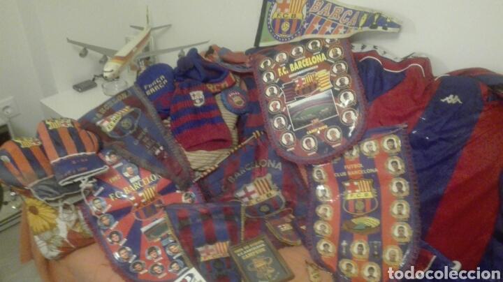 Coleccionismo deportivo: lote banderines banderas llaveros guantes boxeo camiseta larsson nº7 llaveros gorras fc barcelona - Foto 2 - 165610704