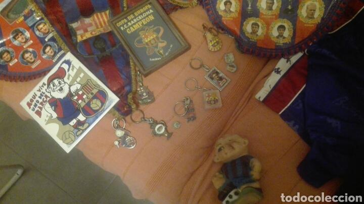 Coleccionismo deportivo: lote banderines banderas llaveros guantes boxeo camiseta larsson nº7 llaveros gorras fc barcelona - Foto 3 - 165610704