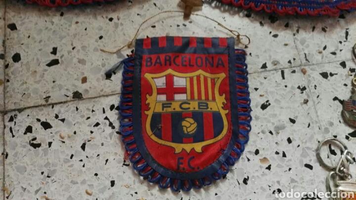 Coleccionismo deportivo: lote banderines banderas llaveros guantes boxeo camiseta larsson nº7 llaveros gorras fc barcelona - Foto 10 - 165610704