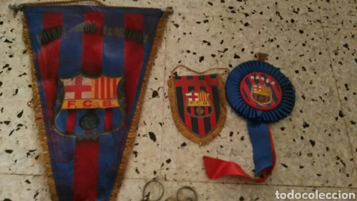 Coleccionismo deportivo: lote banderines banderas llaveros guantes boxeo camiseta larsson nº7 llaveros gorras fc barcelona - Foto 14 - 165610704