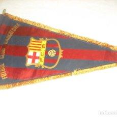 Coleccionismo deportivo: ANTIGUO BANDERIN DEL FUTBOL CLUB BARCELONA , 48 X 28 CM,. Lote 165974838
