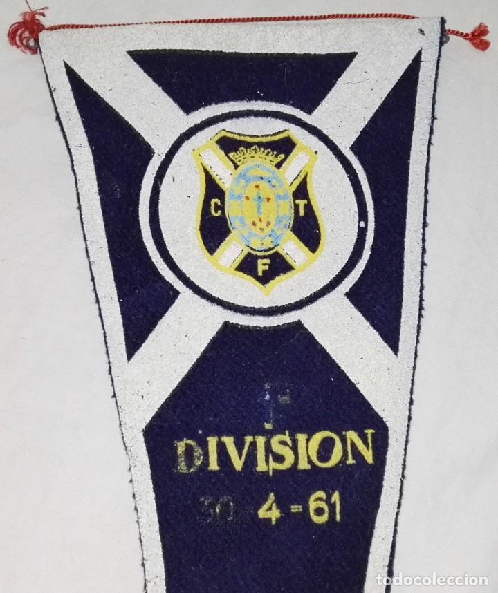 Coleccionismo deportivo: Antiguo Banderín Del Equipo De Fútbol C.D. Tenerife, División 30 - 4 - 61 - Original 100% - 39cm - Foto 2 - 168495156