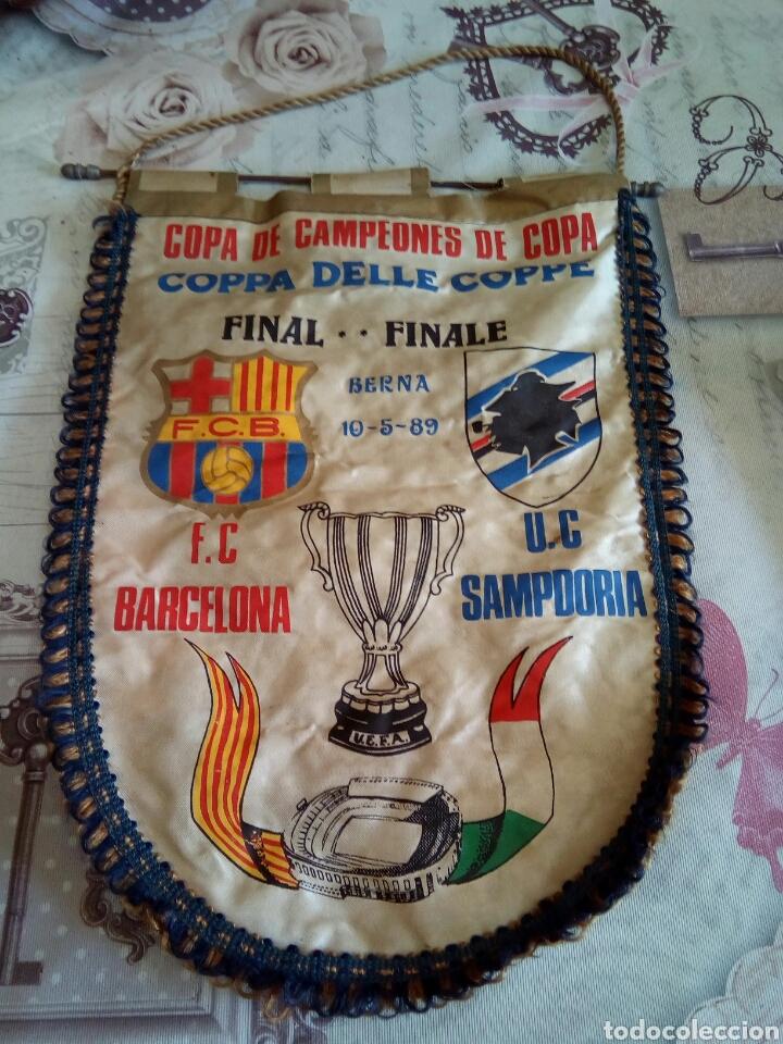 BANDERIN F. C. BARCELONA /U. C. SAMPDORIA (Coleccionismo Deportivo - Banderas y Banderines de Fútbol)