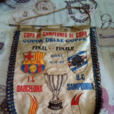 Coleccionismo deportivo: BANDERIN F. C. BARCELONA /U. C. SAMPDORIA. Lote 217788997