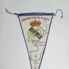 Coleccionismo deportivo: BANDERÍN ORIGINAL REAL MADRID CAMPEÓN COPA DE EUROPA 1956, MIDE 26,5 CMS. DE LONGITUD, 100% ORIGINAL. Lote 170504796