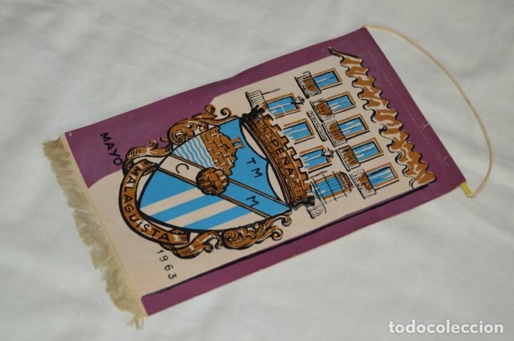 ANTIGUO BANDERÍN - MÁLAGA 1963 - PEÑA MALAGUISTA - MAYO DE 1963 - VINTAGE - HAZ OFERTA (Coleccionismo Deportivo - Banderas y Banderines de Fútbol)
