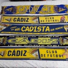Coleccionismo deportivo: COLECION ANTIGUAS BUFANDAS CADIZ CLUB DE FUTBOL ALGUNAS BORDADAS. Lote 171545712
