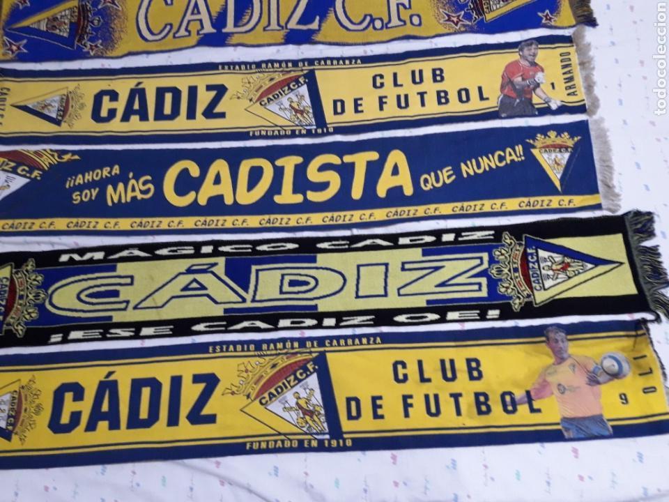 Coleccionismo deportivo: COLECION ANTIGUAS BUFANDAS CADIZ CLUB DE FUTBOL ALGUNAS BORDADAS - Foto 3 - 171545712