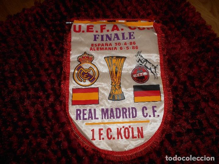 Coleccionismo deportivo: ANTIGUO BANDERIN DEL REAL MADRID FINAL COPA DE LA UEFA REAL MADRID FC KOLN - Foto 3 - 171618952