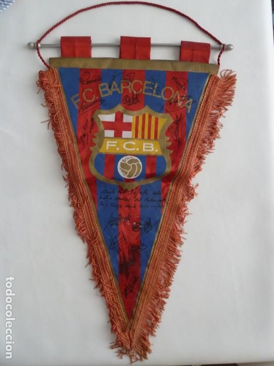 MARADONA BANDERIN ORIGINAL FUTBOL CLUB BARCELONA FIRMADO JUGADORES AÑOS 80 DIEGO ARMANDO MARADONA (Coleccionismo Deportivo - Banderas y Banderines de Fútbol)