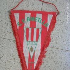Coleccionismo deportivo: BANDERIN DEL CLUB FUTBOL LA AMETLLA MIDE ,46 DE LARGO. Lote 172161448