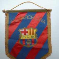 Coleccionismo deportivo: BANDERÍN F.C. BARCELONA (MEDIDAS: 31 X 24 CM). Lote 172271237