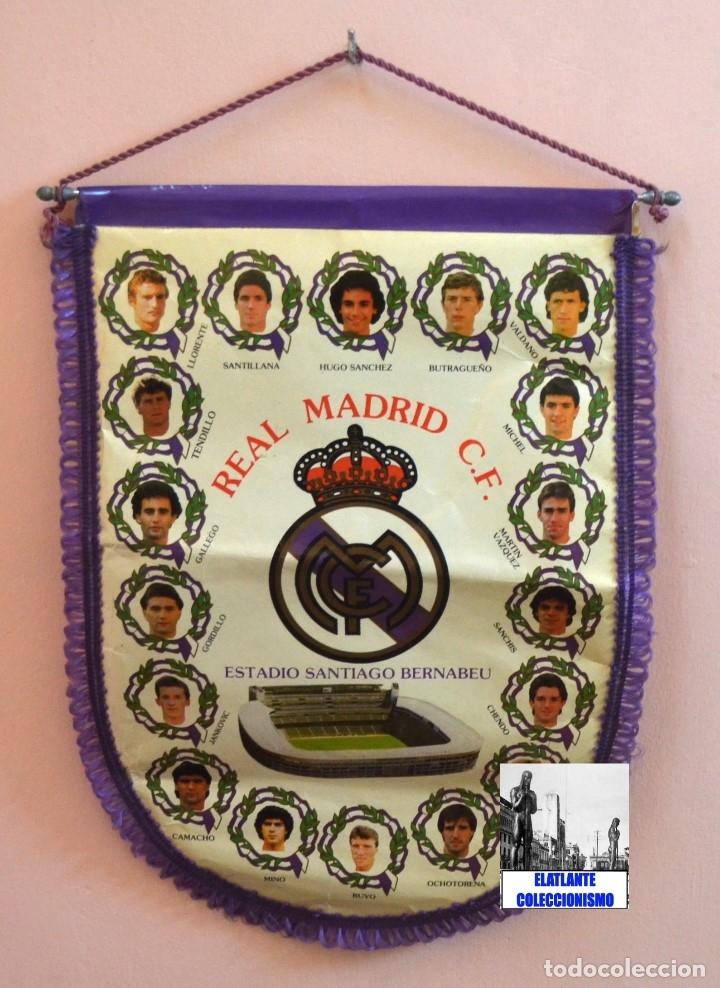 Coleccionismo deportivo: BANDERIN REAL MADRID TEMPORADA 1987 - 1988 - SANTIAGO BERNABEU BUYO SANCHIS HUGO SÁNCHEZ VALDANO - Foto 6 - 173154764
