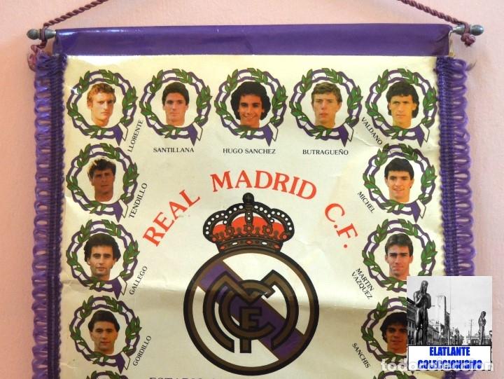 Coleccionismo deportivo: BANDERIN REAL MADRID TEMPORADA 1987 - 1988 - SANTIAGO BERNABEU BUYO SANCHIS HUGO SÁNCHEZ VALDANO - Foto 10 - 173154764