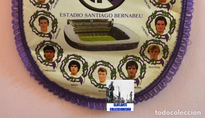 Coleccionismo deportivo: BANDERIN REAL MADRID TEMPORADA 1987 - 1988 - SANTIAGO BERNABEU BUYO SANCHIS HUGO SÁNCHEZ VALDANO - Foto 12 - 173154764