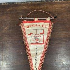 Coleccionismo deportivo: BANDERIN 75 ANIVERSARIO SEVILLA FUTBOL CLUB - MEDIDA 37X21 CM. Lote 174175017