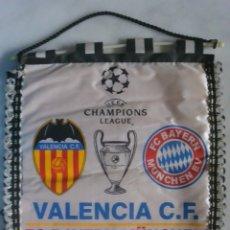 Coleccionismo deportivo: BANDERIN DE VALENCIA CF UEFA CAMPIONS LEAGUE VALENCIA-BAYERN FINAL 2001. Lote 174587583