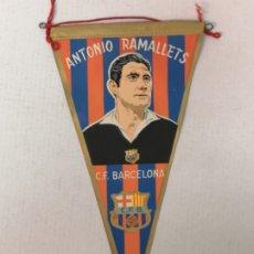Coleccionismo deportivo: BANDERIN CLUB DE FÚTBOL BARCELONA RAMALLETS. Lote 176009990
