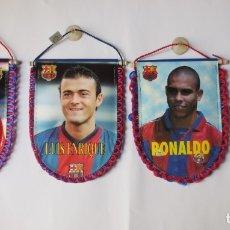 Coleccionismo deportivo: LOTE 4 BANDERINES F.C. BARCELONA - BARÇA - DE JUGADOR - AÑO 2002. Lote 176466442