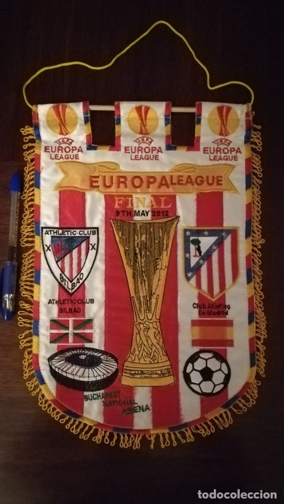 BANDERIN FINAL EUROPA LEAGUE 2012 BUCAREST ATLETICO DE MADRID ATHLETIC BILBAO (Coleccionismo Deportivo - Banderas y Banderines de Fútbol)